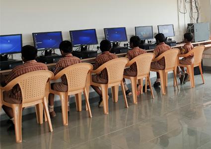 Amrita Vidyalayam - computer lab