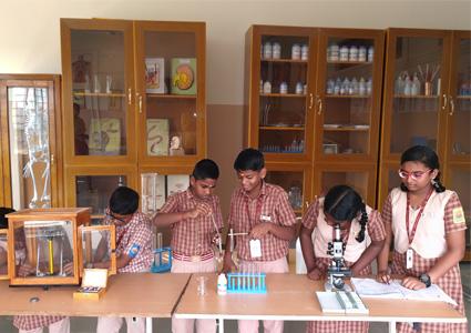 Amrita Vidyalayam - chemical lab